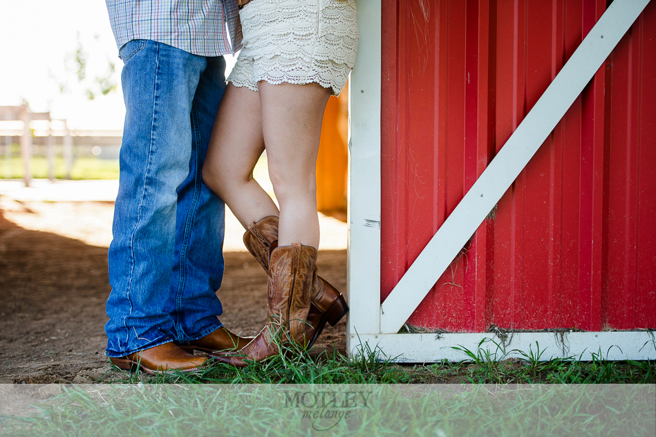 engagement session red barn