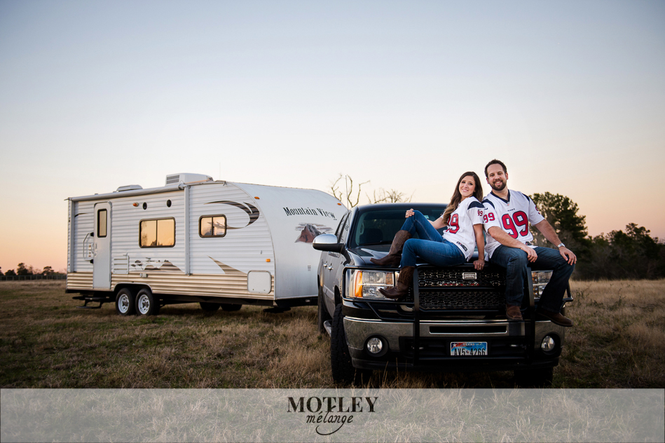 country-camping-engagement-session-houston0014